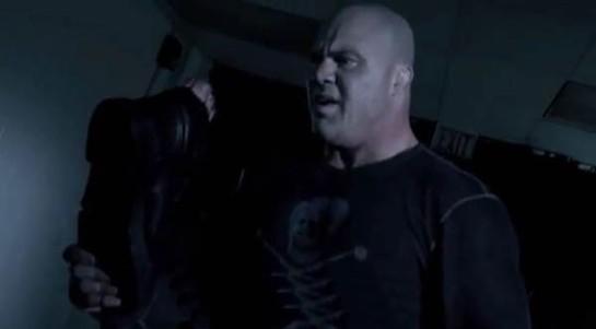 pro-wrestlers-vs-zombies4